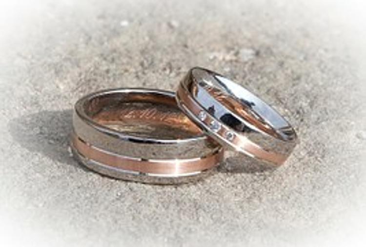 Татьяна Навка отметила бумажную свадьбу