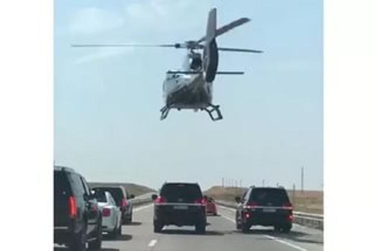 В Казахстане полиция заинтересовалась свадебным кортежем с вертолетом