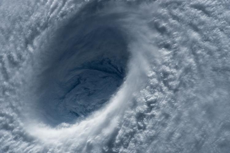 Сильнейший тайфун приближается к Японии