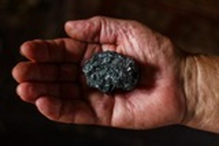 Спасателям не удалось установить связь с 17 шахтерами