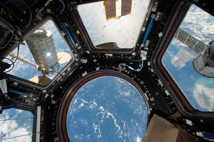 Уфолог разглядел корабль инопланетян на видео с МКС