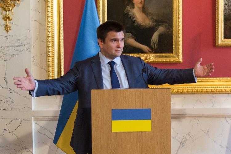 Климкин ответил на обвинения Саакашвили в наличии паспорта РФ