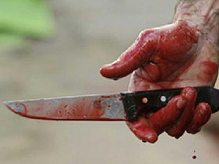 Злоумышленник с ножом напал на молодого человека на северо-западе Москвы