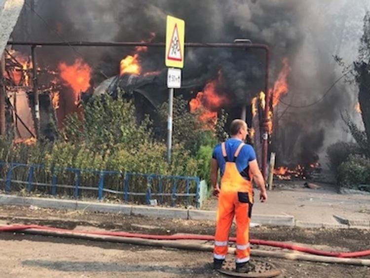 Названа основная версия пожара в Ростове-на-Дону (Фото с места событий)