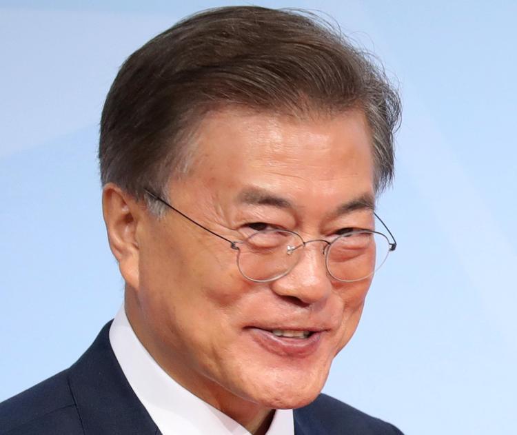 Южная Корея не намерена размещать ядерное оружие США на своей территории