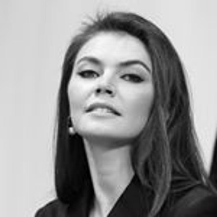 Платье Кабаевой произвело фурор на ЧМ по художественной гимнастике в Италии