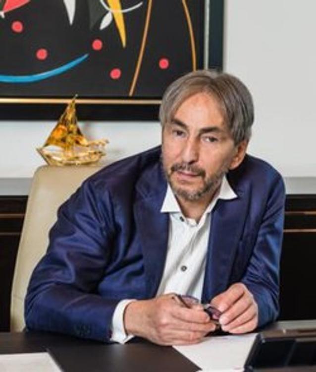 Джабраилов  рассказал о провокации сотрудников отеля