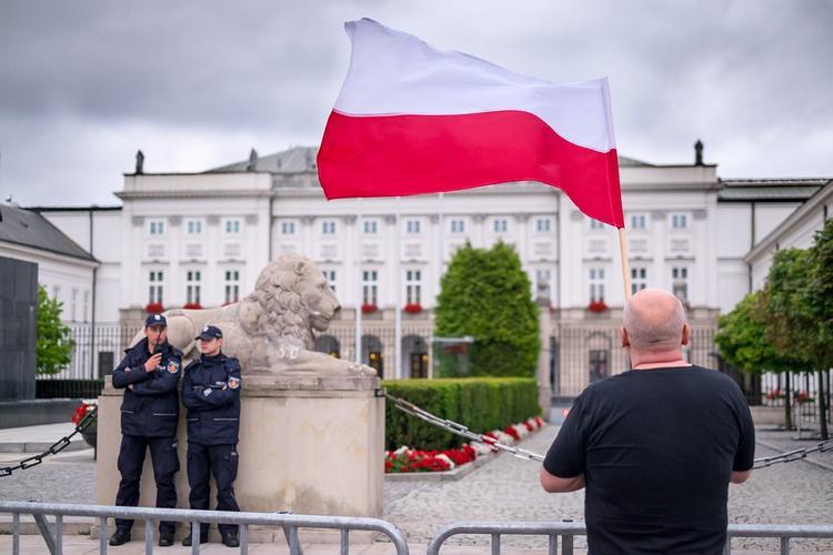 """Польша намерена получить репарации от России за """"рижский мир"""" 1921 года"""