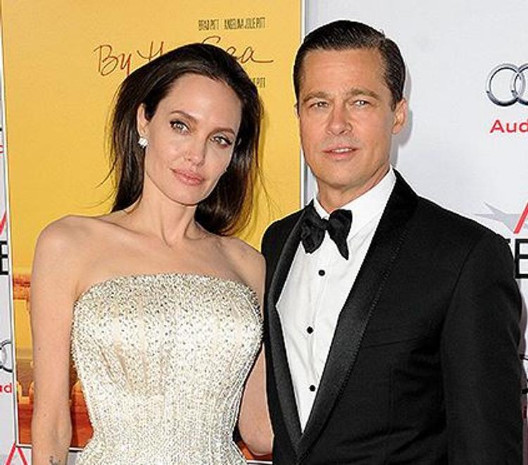 Питт и Джоли твердо решили развестись для воссоединения семьи