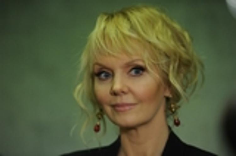 Певица Валерия рассказала, как супруг ударил ее ножом