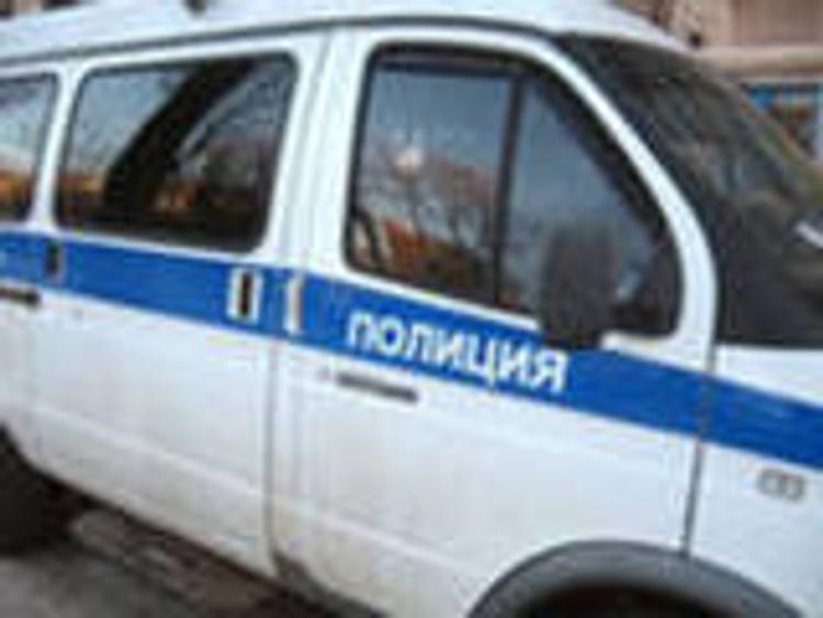 Голый москвич выпрыгнул с третьего этажа и отправился в банк