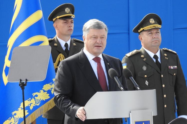 Порошенко заявил о готовности провести референдум о вступлении Украины в НАТО