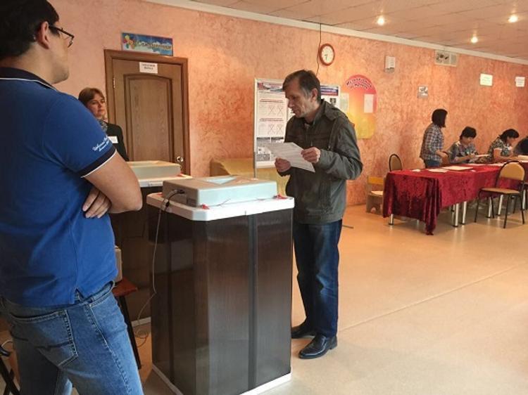 Жители Сахалинской области первыми в России пришли на избирательные участки