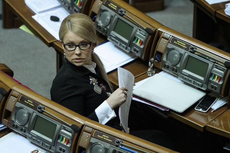 Тимошенко пришла на помощь пытающемуся вернуться на Украину Саакашвили