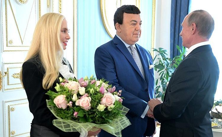 Путин принял в Кремле Иосифа Кобзона с супругой