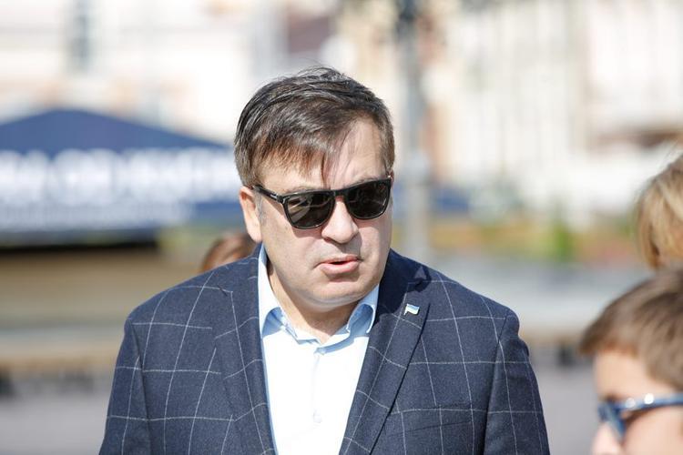 Прорвавшегося на Украину Саакашвили бросила супруга