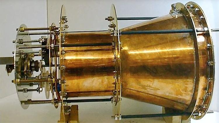 Чешский физик заявил, что китайский чудо-двигатель создала уборщица из NASA