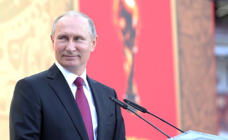 Путин читать мемуары Хиллари Клинтон не собирается