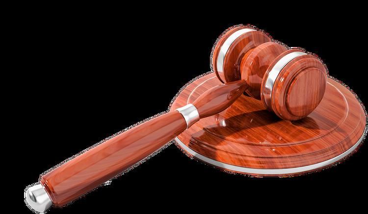 Бывший губернатор Кировской области Белых не может позволить себе двух адвокатов