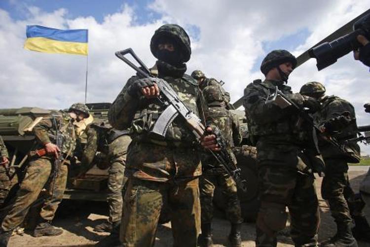 Украинская армия перегруппировывается у крымских границ
