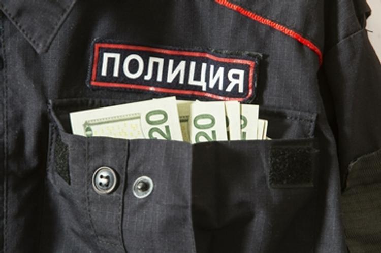 В Московской области полицейский попался на взятке в 17,5 миллионов