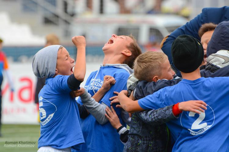 Победителями Суперкубка по футболу «Метрошка 2017» стали ребята из Карталов