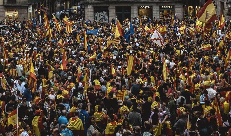 Голосование на референдуме о независимости Каталонии закончено