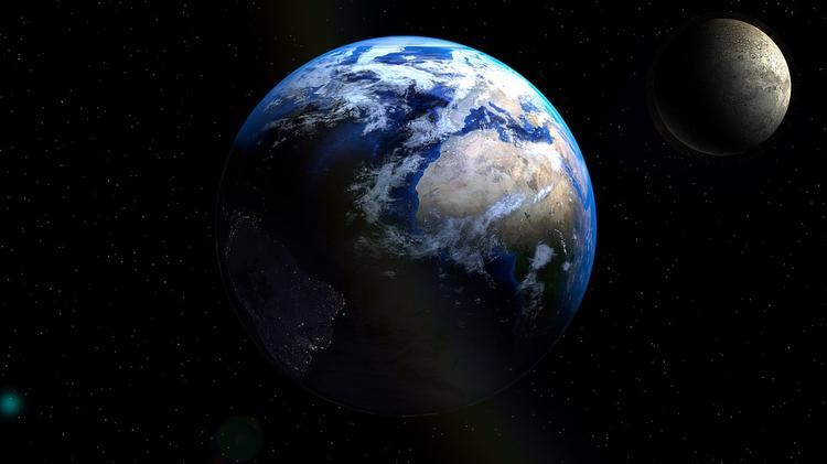 Между Землей и Луной пролетел астероид размером с автобус