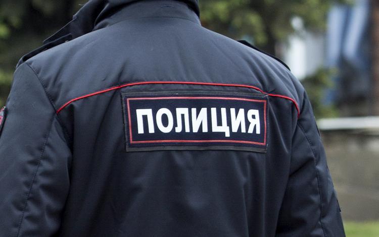 """Анонимы заявили о """"минировании"""" в Москве школы и двух вузов"""
