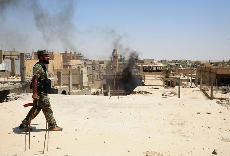 Минобороны опровергло захват российских военных боевиками ИГ