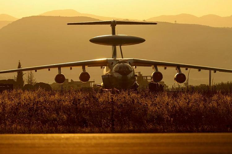 """Миноброны РФ: военная база США в Эт-Танфе прикрыта """"живым щитом"""" из беженцев"""