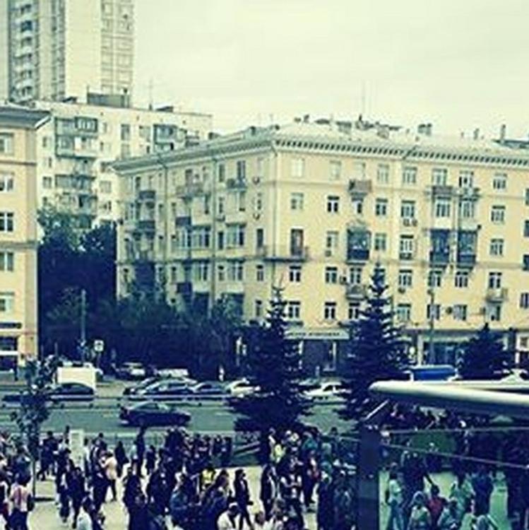 Из-за угрозы взрыва в Москве эвакуированы четыре торговых центра и МАИ