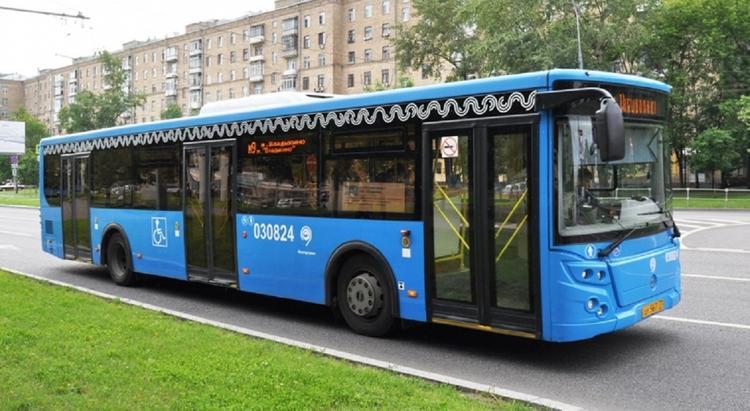 Более 60 маршрутов городского транспорта изменят в Москве