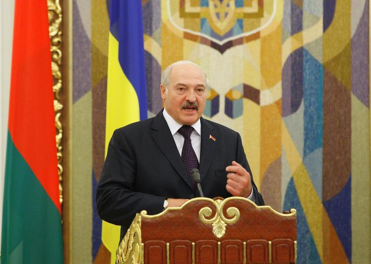 Лукашенко поздравил Путина с юбилеем