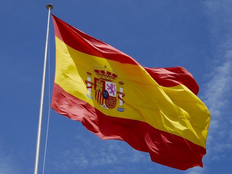 Многотысячные митинги за единство проходят в Испании