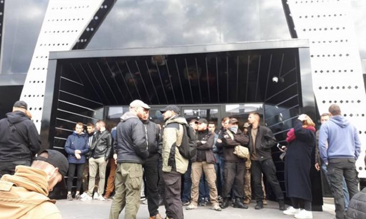 Во Львове радикалы хотят сорвать концерт украинского музыканта