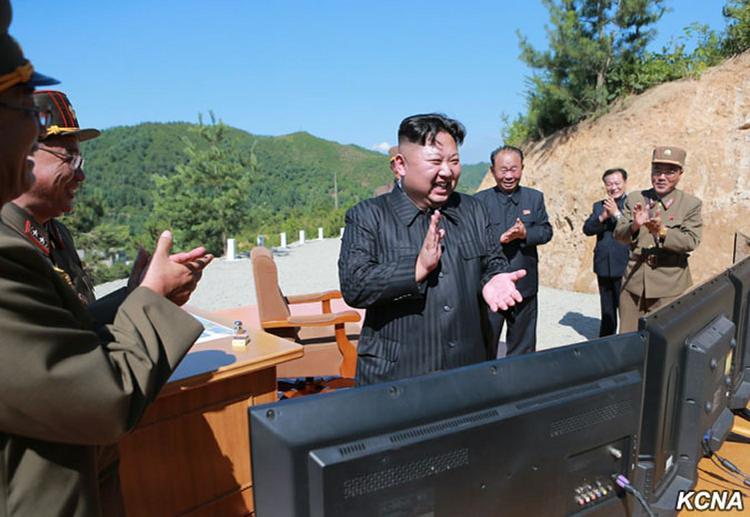 Лидер КНДР Ким Чен Ын назначил членом политбюро свою родную сестру