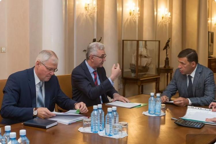 Свердловский губернатор проверил ход благоустройства Екатеринбурга