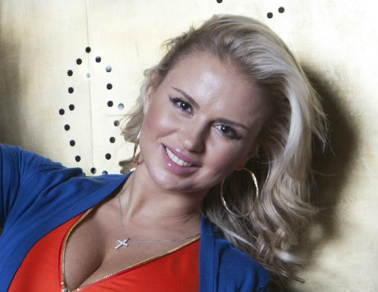 Анна Семенович стала причиной драки двух бизнесменов в Греции