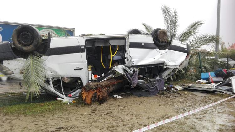 В турецкой Анталье перевернулся туристический автобус, есть пострадавшие