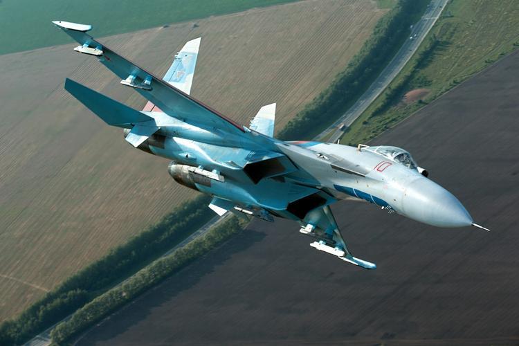 """""""Ростех"""": в российском боевом самолете Су-35 есть искусственный интеллект"""