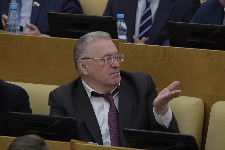 Жириновский рекомендует использовать средства олигархов для строительства дорог
