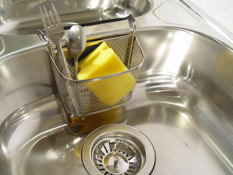 Чем опасна кухонная губка