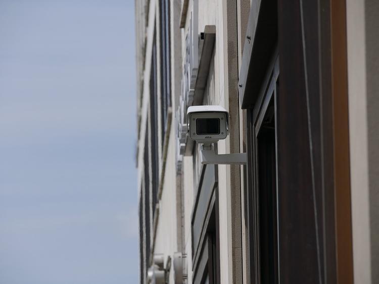 МВД: момент наезда автобуса на остановку запечатлили камеры видеонаблюдения