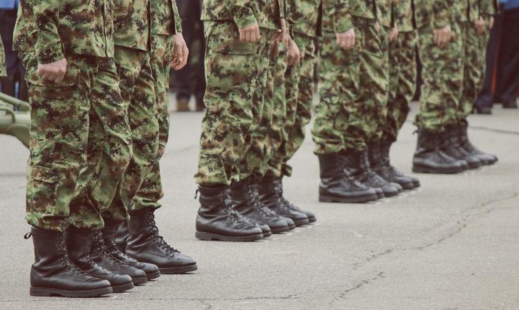 Новый закон обяжет призывников являться в военкомат без повестки