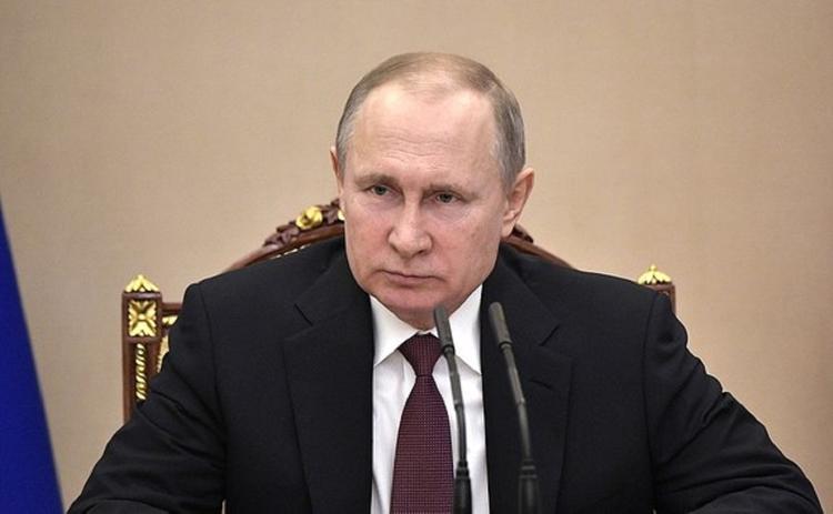 Владимир Путин считает, что уровень бедности в стране нужно снизить вдвое