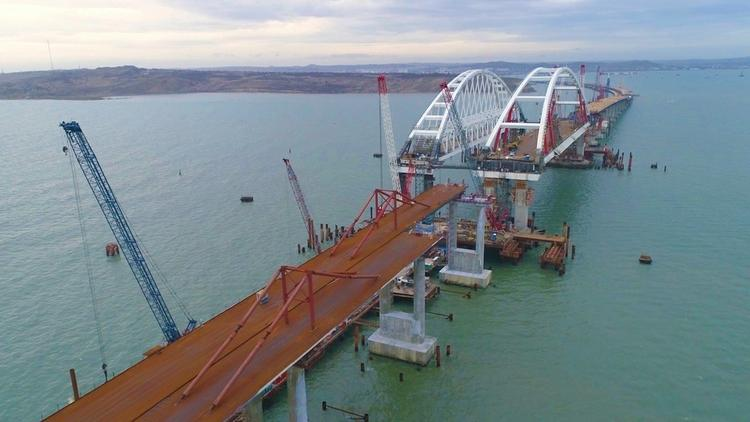 Минтранс: вопрос досрочного открытия Крымского моста рассмотрят в марте
