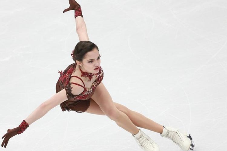 Медведева показала, как спортсмены прятали российский флаг