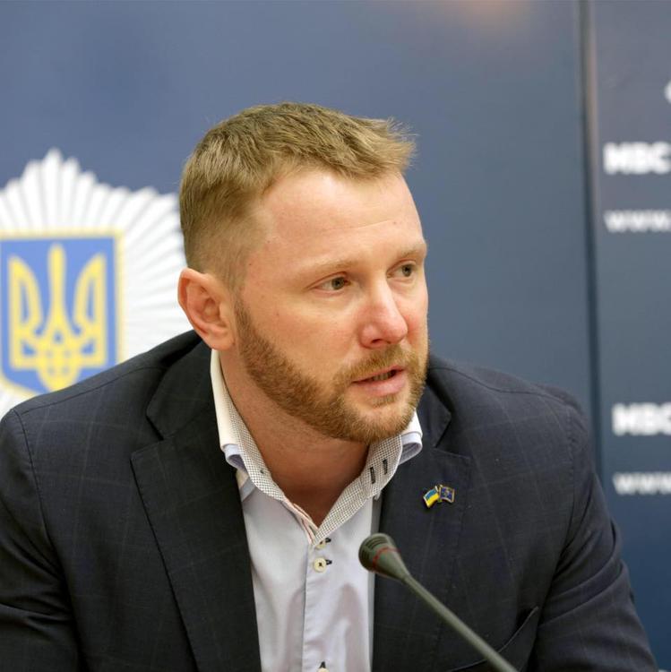 """МВД Украины объяснило, почему участников """"МихоМайдана"""" ставили на колени"""