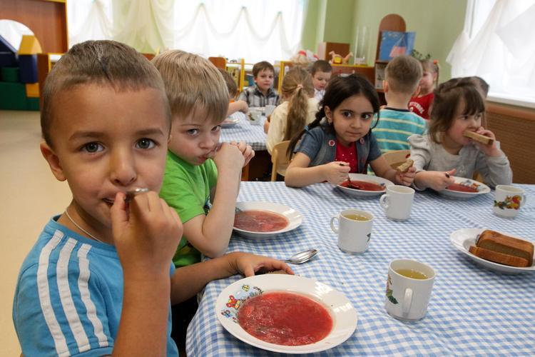Детей накормят по ГОСТам